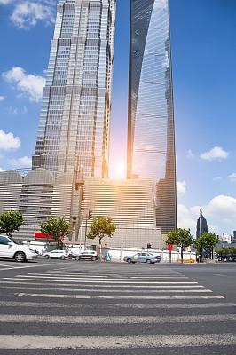 林荫路,上海,都市风光,陆家嘴,浦东,垂直画幅,斑马,交通,都市风景,现代