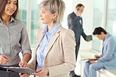 商务,办公室,30到39岁,水平画幅,30岁到34岁,白人,图像,文档,经理,现代