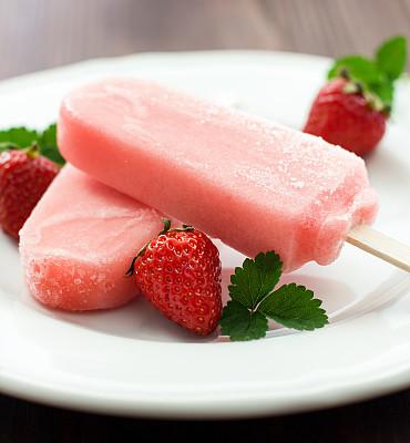 草莓,草莓冰糕,冰棒,垂直画幅,冰淇淋,无人,夏天,甜点心,清新,精神振作