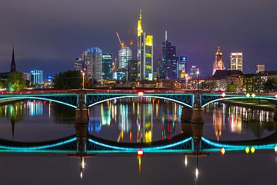 城市天际线,德国,法兰克福,商品交易会大厦,木卫二塔,美茵河,水,水平画幅,夜晚,无人