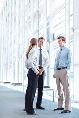 会议,前面,顾客,垂直画幅,办公室,留白,人群,商务会议,白人,男商人