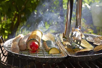 素食,烤肉架,德式香肠,游园会,钳夹,老玉米,德国食物,选择对焦,胡瓜,休闲活动