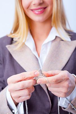 女商人,特写,针织,垂直画幅,休闲活动,纺织品,忙碌,健康,仅成年人,想法