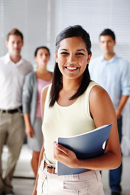 文档,女人,拿着,暴力,垂直画幅,领导能力,经理,男性,仅成年人,现代