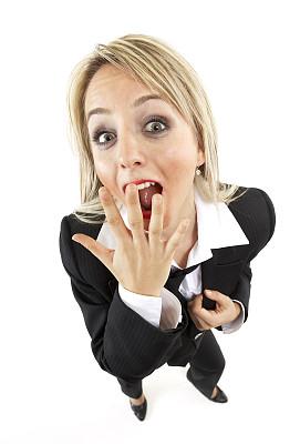 女商人,倒抽气,垂直画幅,人的嘴,套装,仅成年人,青年人,过度劳累,坏消息,公司企业