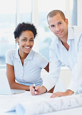 女人,非洲人,垂直画幅,正面视角,领导能力,半身像,注视镜头,美人,男商人,经理