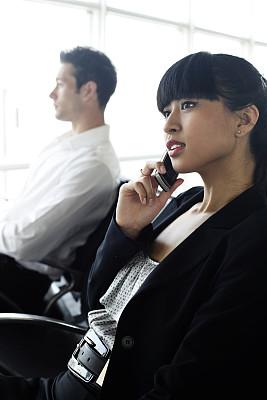 商务,机场出发区,垂直画幅,美,电话机,会议,美人,成年的,女商人,女人