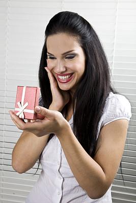 礼物,节日,垂直画幅,美,蝴蝶结,美人,黑发,生日,白人