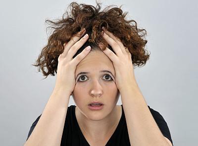 沮丧,青年女人,压力,正面视角,半身像,水平画幅,注视镜头,情绪压力,白人,责任