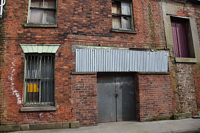 建筑外部,被抛弃的,英国,水平画幅,建筑,无人,建筑结构,门,城镇,砖