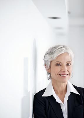 中老年人,女商人,非凡的,精益收集,垂直画幅,留白,领导能力,衰老过程,套装,图像