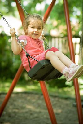 女孩,垂直画幅,美,学龄前,公园,进行中,美人,夏天,户外,白人