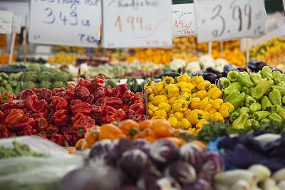 灯笼椒,清新,丰富,农业市集,蔬菜水果店,黄色灯笼椒,青椒,选择对焦,水平画幅,素食