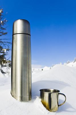 茶,保温瓶,垂直画幅,选择对焦,天空,留白,灵感,银色,雪,无人