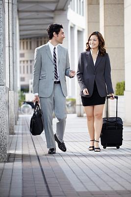 街道,行李,商务人士,垂直画幅,套装,男商人,新创企业,经理,男性,仅成年人