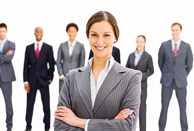青年人,女商人,选择对焦,30到39岁,水平画幅,注视镜头,人群,套装,中等数量人群