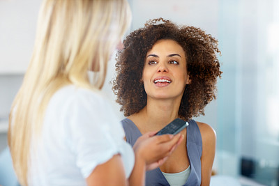 女商人,两个人,水平画幅,新创企业,仅成年人,白领,青年人,友谊,专业人员,看
