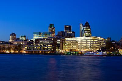 英格兰,英国,伦敦,金融区,威利斯大厦,瑞士再保险塔,办公园区,水,水平画幅,夜晚