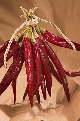 红辣椒,牛皮纸,辣椒粉,垂直画幅,拉美人和西班牙裔人,无人,椒类食物,生食,辣椒,部分