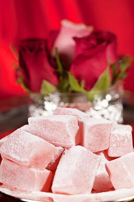 土耳其软糖,垂直画幅,无人,蛋糕,玫瑰,组物体,糖粉,特写,甜点心,立方体形状
