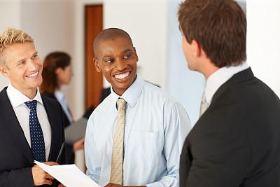 文档,商务人士,办公室,水平画幅,人群,白人,非裔美国人,男商人,男性,白领