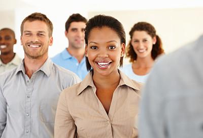 非洲人,女商人,30到39岁,水平画幅,注视镜头,人群,白人,非裔美国人,男商人,男性