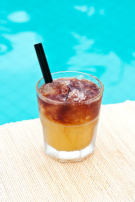 鸡尾酒,酸味,红色,席子,青柠汁,柠檬汁,苏格兰威士忌,垂直画幅,葡萄酒,水