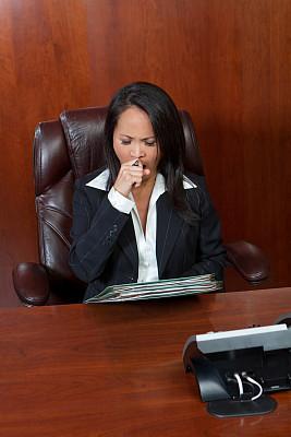 女商人,垂直画幅,办公室,电话机,情绪压力,图像,经理,仅成年人,疲劳的,过度劳累