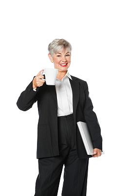 老年人,笔记本电脑,咖啡,女商人,垂直画幅,套装,图像,仅成年人,现代,专业人员