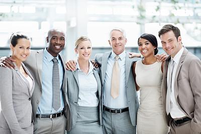 友谊,商务关系,集体照,办公室,领导能力,水平画幅,注视镜头,人群,白人,非裔美国人