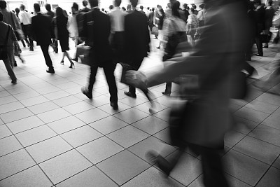 高峰时间,通勤者,水平画幅,忙碌,早晨,时间,男商人,单色调,男性,东京