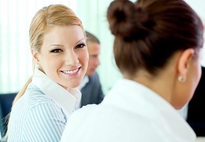 商务会议,女商人,幸福,办公室,脑风暴,水平画幅,工作场所,会议,人群,白人