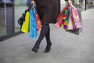 女人,拿着,购物袋,二郎腿,青少年,四肢,水平画幅,顾客,腿,商店