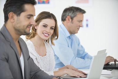 青年人,办公室,女商人,男商人,男性,仅成年人,专业人员,信心,技术,青年男人