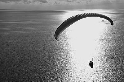 高崖跳伞,海滩,在上面,拖引式降落伞运动,自然,水平画幅,地形,人,户外,极限运动