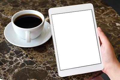 白色,拿着,平板电脑,显示器,留白,咖啡店,水平画幅,白人,咖啡,网上冲浪