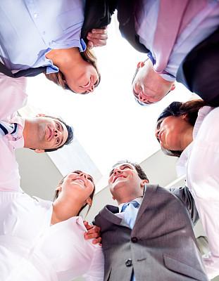 商务,团队,垂直画幅,30到39岁,拉美人和西班牙裔人,人群,中等数量人群,男商人,男性,仅成年人