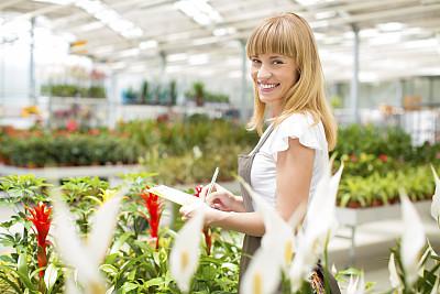 植物馆,花卉商,女性,半身像,业主,仅一朵花,仅成年人,青年人,植物学,园艺器具
