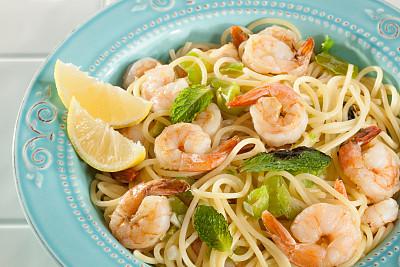 晚餐,虾,水平画幅,灯笼椒,无人,椒类食物,海产,明虾,薄荷叶,意大利细面条