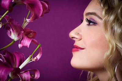 仅一朵花,青年女人,美,彩妆,水平画幅,美人,白人,特写,仅成年人,长发