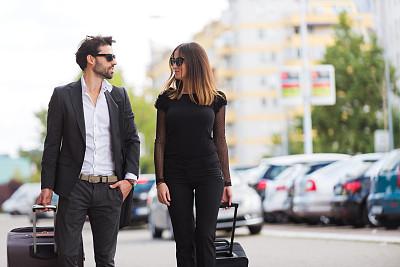 陌生人,完美,水平画幅,电话机,秘书,伴侣,户外,行李,商务会议,男商人