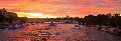 塞纳河,全景,巴黎,亚历山大三世桥,天空,留白,水平画幅,邮轮,旅行者,夏天