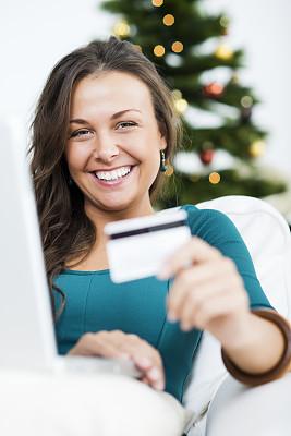 在家购物,垂直画幅,留白,电子邮件,电子商务,仅成年人,网上冲浪,信用卡,青年人