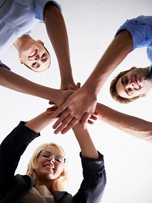 办公室,活力,团队,垂直画幅,少量人群,商务关系,男商人,男性,仅成年人,青年人