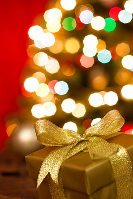 圣诞礼物,垂直画幅,选择对焦,留白,无人,蝴蝶结,新年,圣诞树,球体