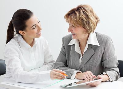 两个人,女商人,团队,简历,55到59岁,正面视角,领导能力,套装,商务关系,图像