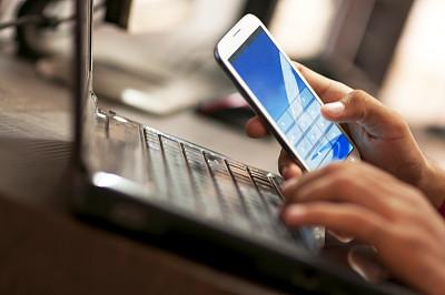 男商人,手机,办公室,手,使用手提电脑,电子邮件,忠告,智慧,忙碌,拨电话