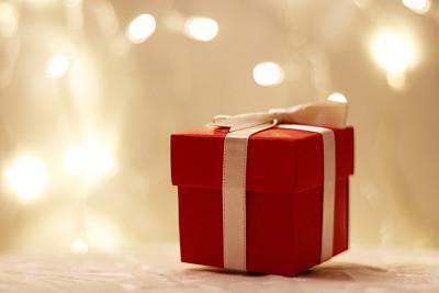 包装纸,白色背景,选择对焦,水平画幅,无人,蝴蝶结,圣诞礼物,前景聚焦,白色