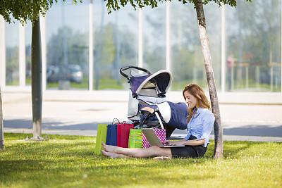 商务,快乐,公园,母亲,婴儿车,工作母亲,折叠童车,休闲活动,家庭生活,夏天