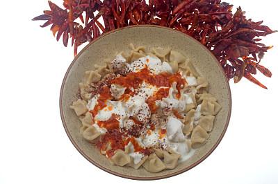意大利馄饨,中东食物,餐具,水平画幅,安纳托利亚,无人,椒类食物,传统,酸奶,塞满了的
